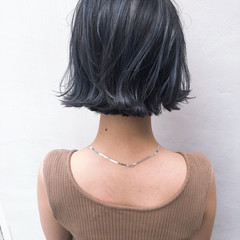 グレー ブルージュ ボブ ナチュラル ヘアスタイルや髪型の写真・画像