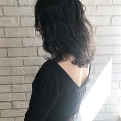 ナチュラル ミディアム アッシュグレージュ アッシュグレー ヘアスタイルや髪型の写真・画像