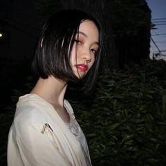 センター分け 黒髪 アンニュイ モード ヘアスタイルや髪型の写真・画像