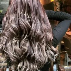 外国人風カラー ハイライト バレイヤージュ 上品 ヘアスタイルや髪型の写真・画像