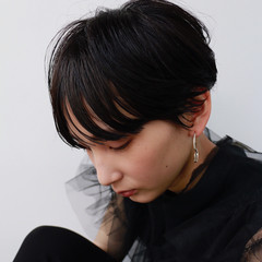 マッシュショート ハンサムショート 黒髪 モード ヘアスタイルや髪型の写真・画像