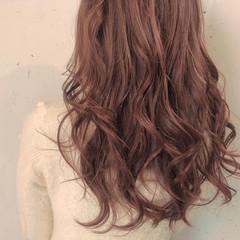 フェミニン イルミナカラー カジュアル 透明感 ヘアスタイルや髪型の写真・画像