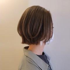 切りっぱなしボブ ショートボブ レイヤーカット ナチュラル ヘアスタイルや髪型の写真・画像