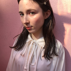 簡単ヘアアレンジ フェミニン 抜け感 ウェットヘア ヘアスタイルや髪型の写真・画像