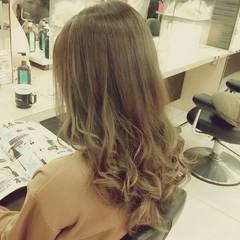 大人かわいい セミロング 外国人風 コンサバ ヘアスタイルや髪型の写真・画像