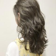 ガーリー アッシュ フェミニン ゆるふわ ヘアスタイルや髪型の写真・画像