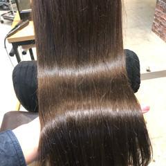 グレージュ 髪質改善トリートメント オフィス ナチュラル ヘアスタイルや髪型の写真・画像
