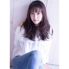 大人かわいい ロング 外国人風 暗髪 ヘアスタイルや髪型の写真・画像