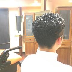 パーマ 黒髪 ボーイッシュ ナチュラル ヘアスタイルや髪型の写真・画像