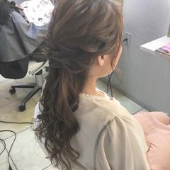 フェミニン ハーフアップ ウェーブ アンニュイ ヘアスタイルや髪型の写真・画像