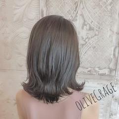 セミロング ナチュラルグラデーション ロブ 外ハネ ヘアスタイルや髪型の写真・画像