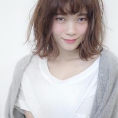フェミニン 大人かわいい 外国人風 ミディアム ヘアスタイルや髪型の写真・画像