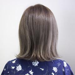 ハイライト ナチュラル イルミナカラー 外ハネ ヘアスタイルや髪型の写真・画像