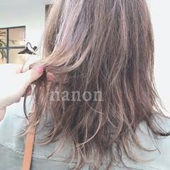 上品 グレージュ 夏 アッシュ ヘアスタイルや髪型の写真・画像