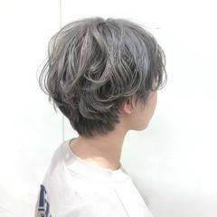 ショート ガーリー シルバー ヘアスタイルや髪型の写真・画像