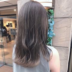 グレージュ ロング ミルクティーグレージュ ナチュラル ヘアスタイルや髪型の写真・画像