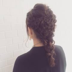 編み込み ブライダル セミロング ゆるふわ ヘアスタイルや髪型の写真・画像