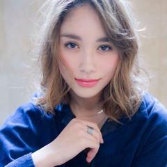 透明感カラー 外国人風カラー ミルクティーベージュ フェミニン ヘアスタイルや髪型の写真・画像