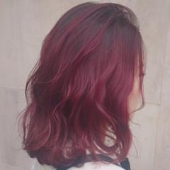 ストリート ブリーチ レッド ベリーピンク ヘアスタイルや髪型の写真・画像