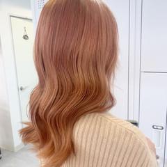 オレンジベージュ オレンジブラウン セミロング ピンクベージュ ヘアスタイルや髪型の写真・画像