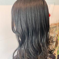 グレージュ シルバーグレージュ 大人可愛い セミロング ヘアスタイルや髪型の写真・画像
