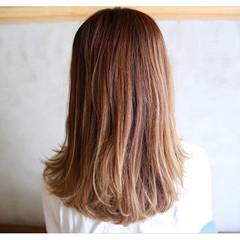 前髪あり セミロング フェミニン 外国人風 ヘアスタイルや髪型の写真・画像