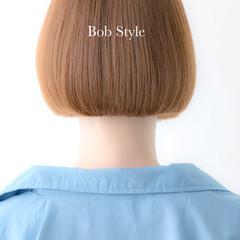 前下がりボブ ストレート モテボブ ナチュラル ヘアスタイルや髪型の写真・画像