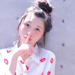 お団子 夏 大人かわいい メッシーバン ヘアスタイルや髪型の写真・画像