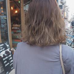 外国人風 ダブルカラー ミルクティー モード ヘアスタイルや髪型の写真・画像