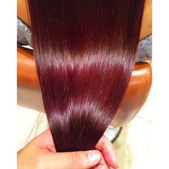 レッド パープル ストリート 透明感 ヘアスタイルや髪型の写真・画像