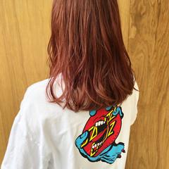 ガーリー ショートボブ インナーカラー 外ハネボブ ヘアスタイルや髪型の写真・画像