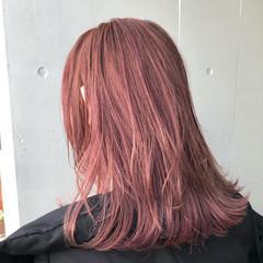 ストリート 切りっぱなし ブリーチ コーラル ヘアスタイルや髪型の写真・画像
