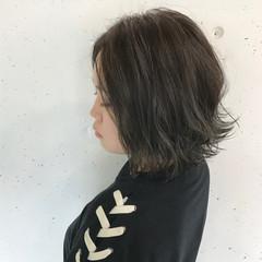 グレージュ ショート 黒髪 ストリート ヘアスタイルや髪型の写真・画像