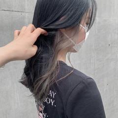 イヤリングカラー ホワイトベージュ セミロング 透明感カラー ヘアスタイルや髪型の写真・画像