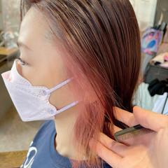ハイトーンカラー 切りっぱなしボブ ナチュラル ミニボブ ヘアスタイルや髪型の写真・画像