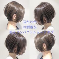 ナチュラル ショートヘア インナーカラー ショートボブ ヘアスタイルや髪型の写真・画像