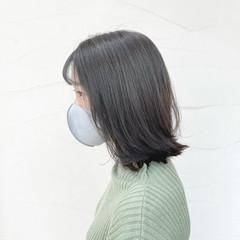 ウルフカット ナチュラル セミロング グレージュ ヘアスタイルや髪型の写真・画像
