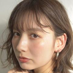 ミディアム フェミニン オフィス 前髪パーマ ヘアスタイルや髪型の写真・画像