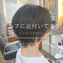 ショート ウルフカット ナチュラル ウルフ女子 ヘアスタイルや髪型の写真・画像