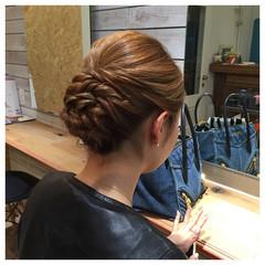 編み込み アップスタイル ミディアム パーティ ヘアスタイルや髪型の写真・画像