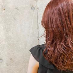 ナチュラル セミロング ラベンダーアッシュ ラベンダーグレージュ ヘアスタイルや髪型の写真・画像