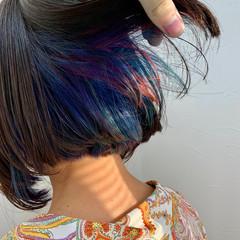 ボブ デザイン カラフルカラー インナーブルー ヘアスタイルや髪型の写真・画像