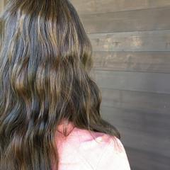 アッシュ セミロング 春 ローライト ヘアスタイルや髪型の写真・画像