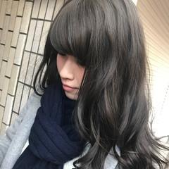 ストリート 大人かわいい セミロング 暗髪 ヘアスタイルや髪型の写真・画像