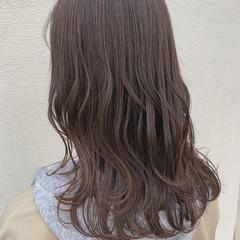 セミロング アッシュグレージュ ミディアムレイヤー グレージュ ヘアスタイルや髪型の写真・画像