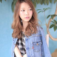 アッシュ ゆるふわ ヘアアレンジ 夏 ヘアスタイルや髪型の写真・画像