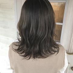 レイヤーカット ブラウンベージュ セミロング ナチュラル ヘアスタイルや髪型の写真・画像