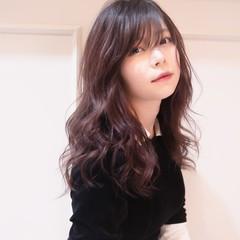グラデーションカラー 前髪あり フェミニン レッドカラー ヘアスタイルや髪型の写真・画像