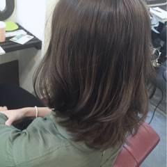グレー グレージュ フェミニン ストリート ヘアスタイルや髪型の写真・画像
