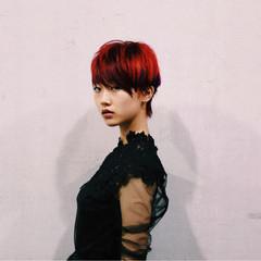 ウェットヘア ストリート ベリーショート レッド ヘアスタイルや髪型の写真・画像
